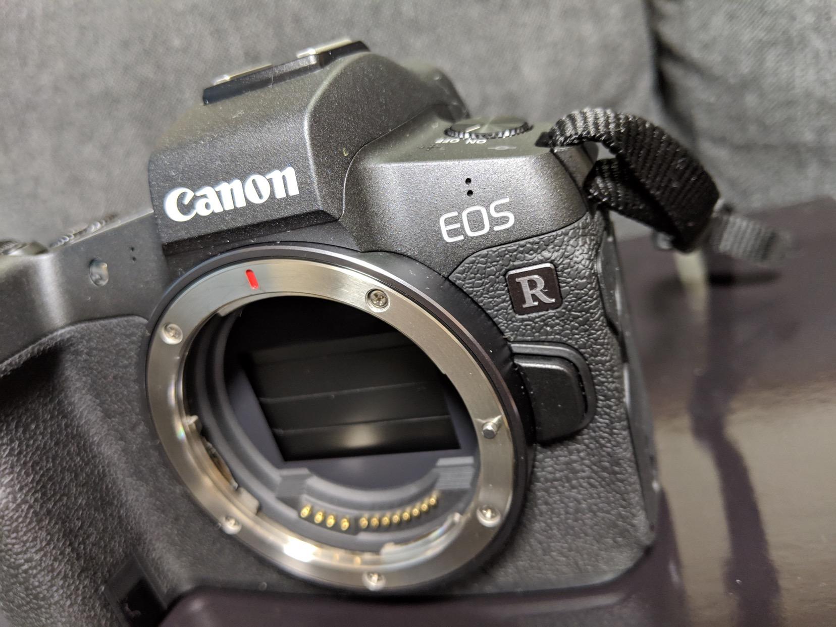 (外観レビュー)EOS Rは細かいところもよく考えられたフルサイズミラーレスカメラだ!