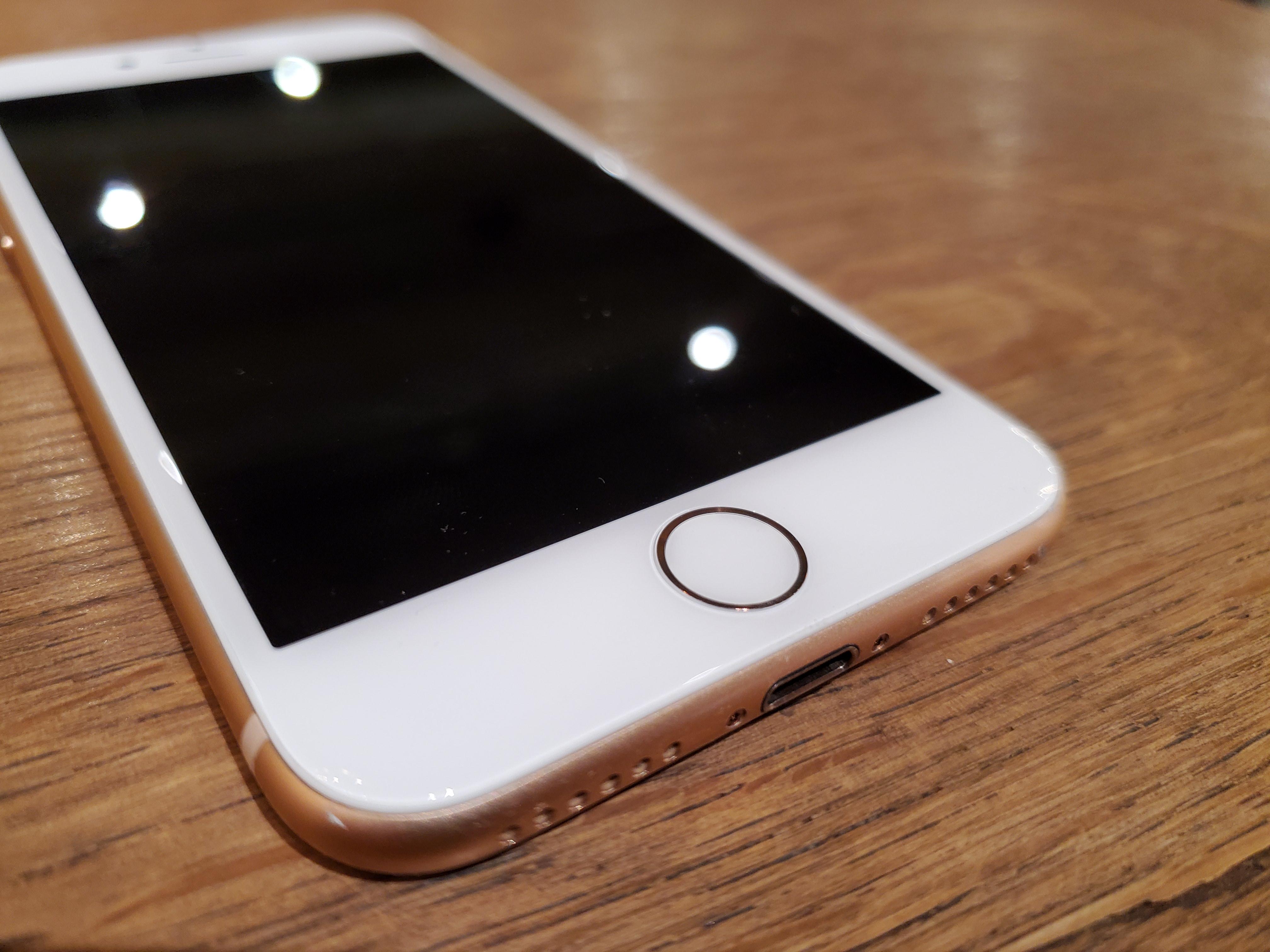 iPhone 8のバッテリーの電池持ちをチェック