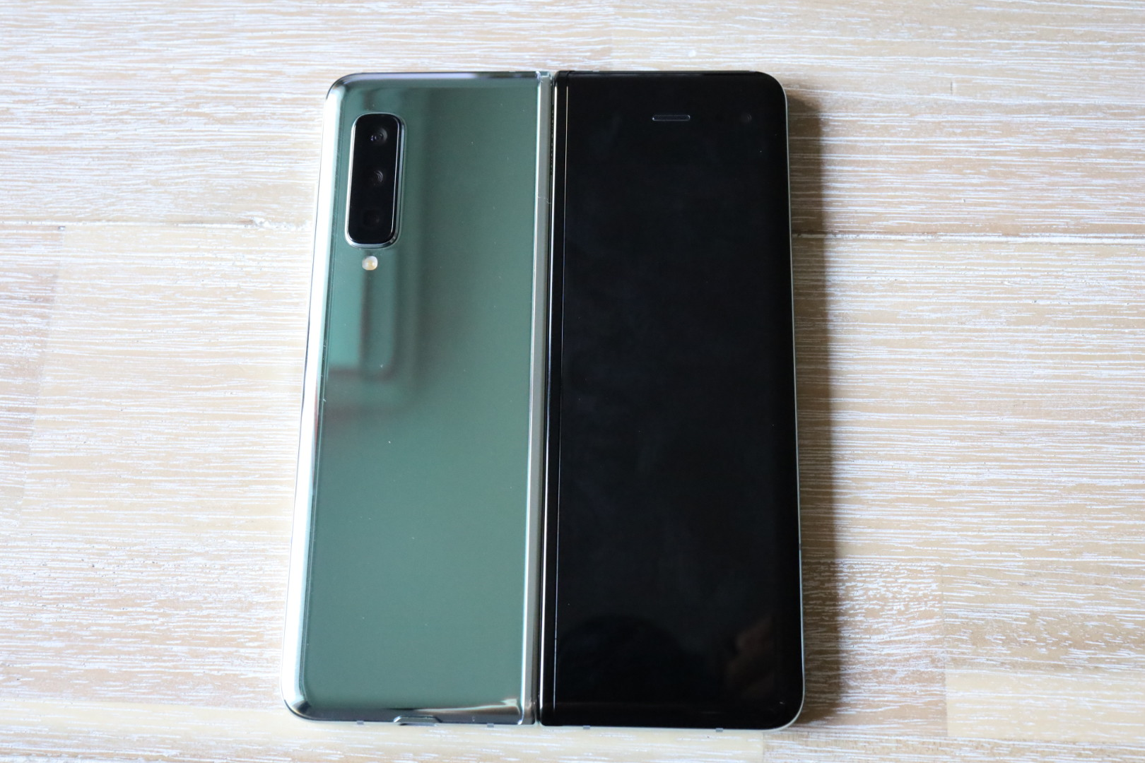 Galaxy FoldとGalaxy Note 10+はどっちを買うべき?(比較)