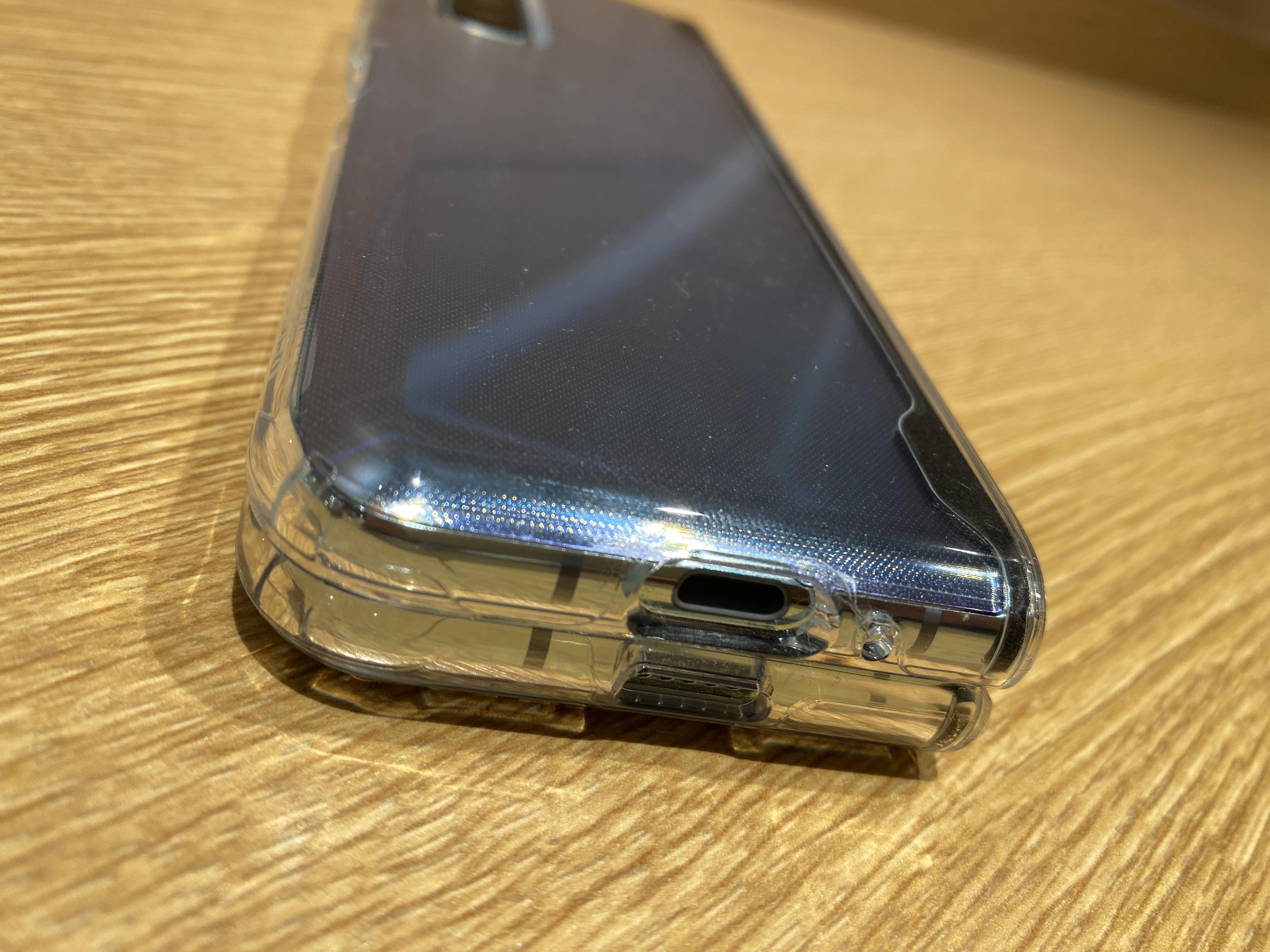 Galaxy Z Fold 2・Galaxy Foldはイヤホンジャック非搭載。接続方法を解説