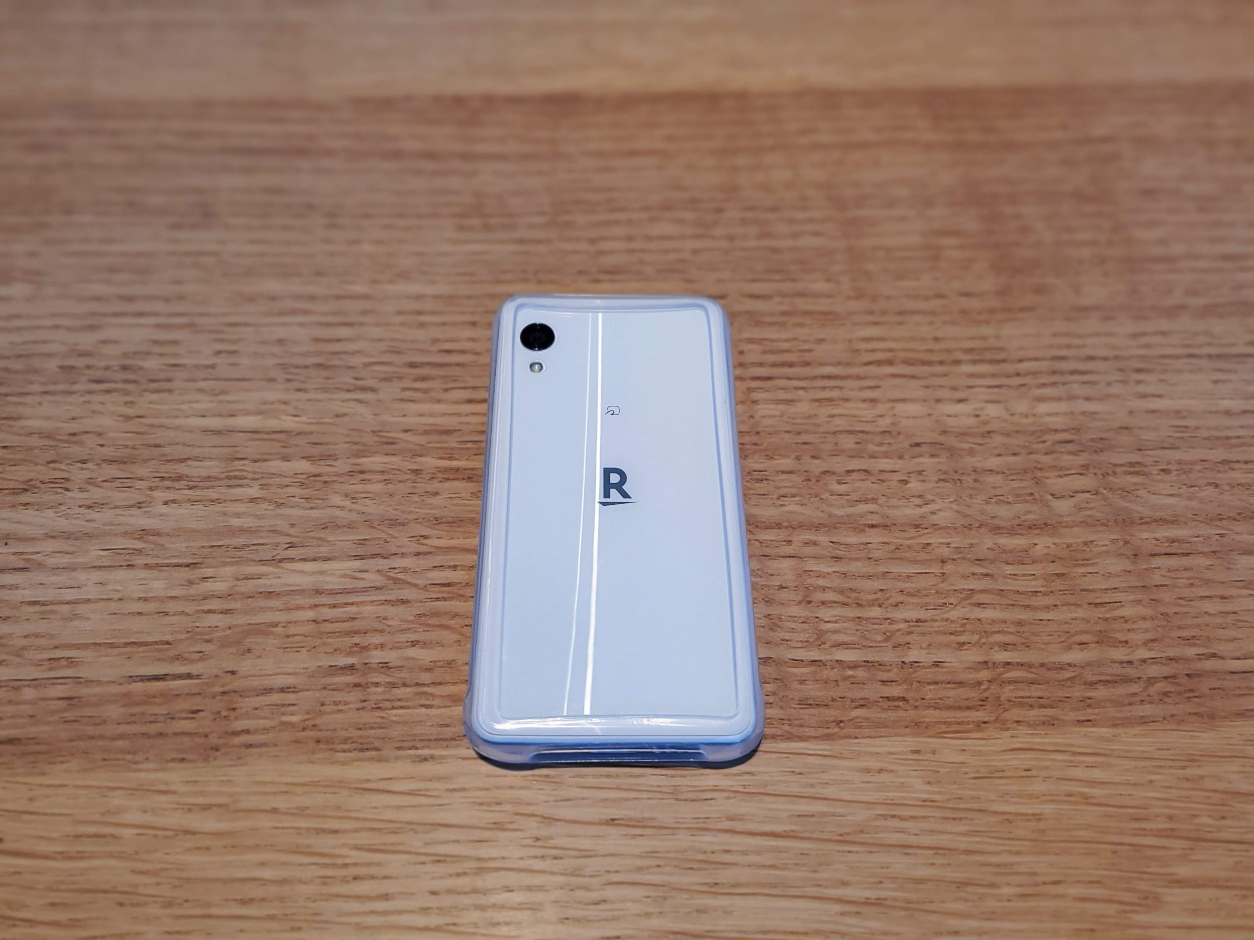 Rakuten miniのケースにおすすめ ELECOMマルチシリコンバンパーを購入レビュー